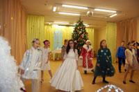 Новогодний праздник в начальной школе (частная школа «ЛАД», Москва)